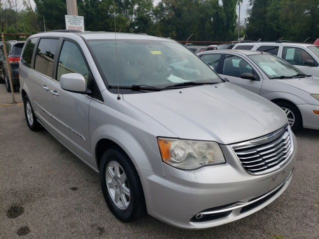 Pre-Owned 2011 Chrysler Town & Country Touring